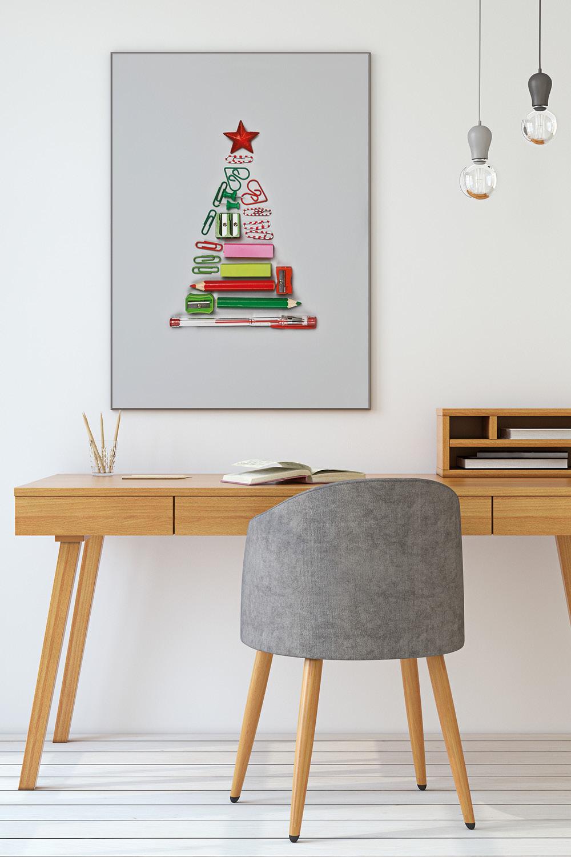 Weihnachtliche Dekoration im Homeoffice